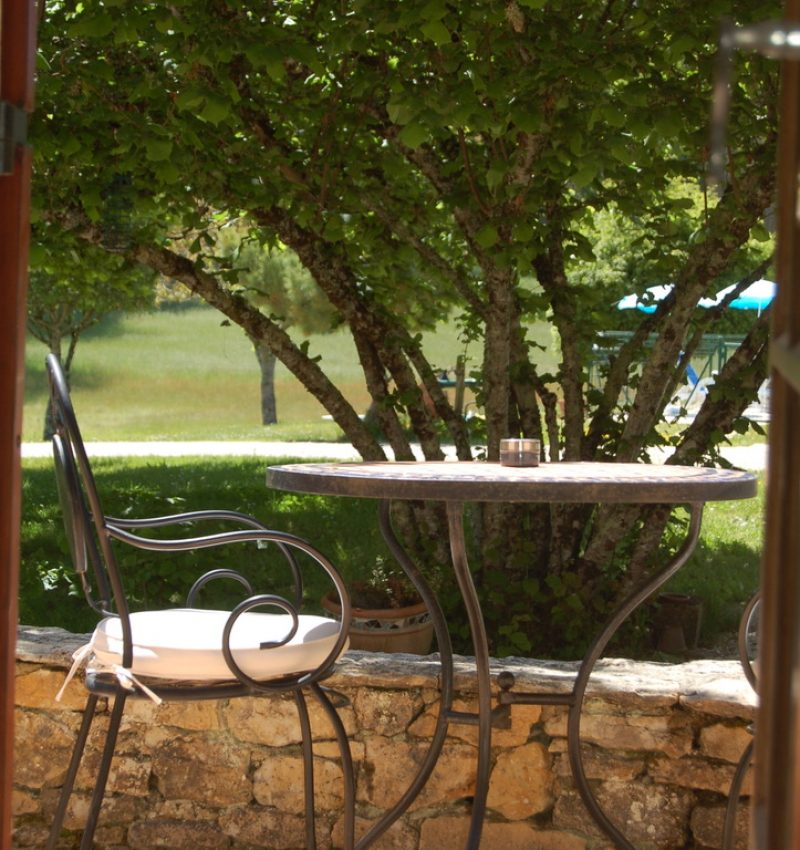 filolies_chambres_d_hôtes_piscine_sarlat_façade_terrasse_4